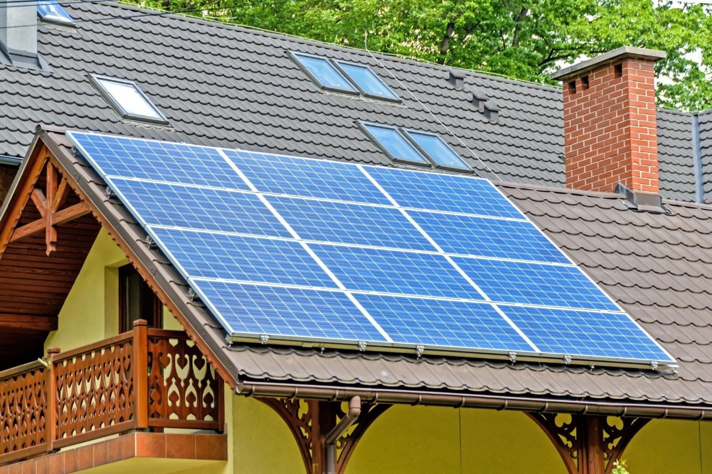 Residential Solar Panel Guide: How to Switch to Solar